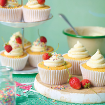 Vanilla Cupcakes with Buttercream Icing