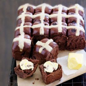 Easter Chocolate Hot Cross Bun Recipe Chelsea Sugar